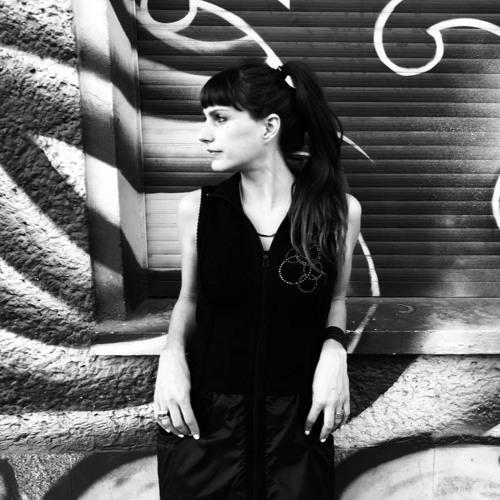 Daniela Cast's avatar