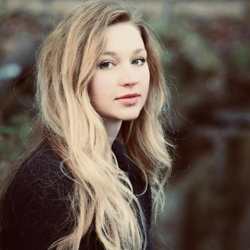 Izzy Frances's avatar