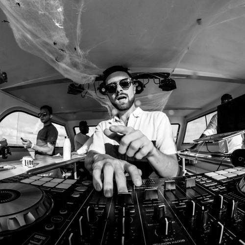 DJ LYNXX's avatar