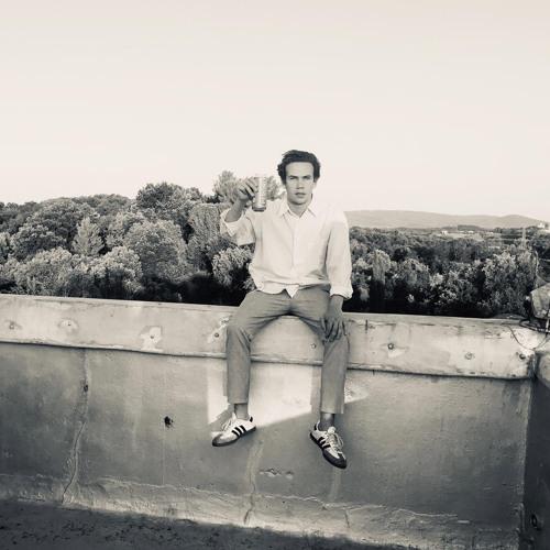 Lennon Sutherland's avatar