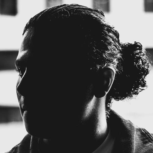 Omar Tarek's avatar