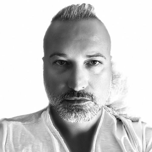 Yas Yas's avatar