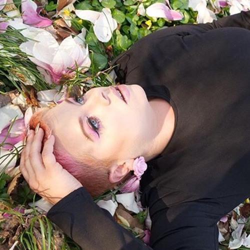 Rosa Nice's avatar