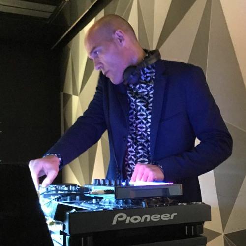 DJ S4 LINEAR's avatar