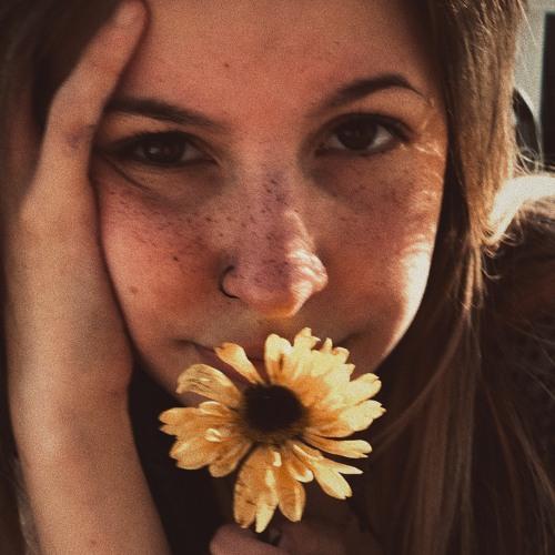 Skylar Love's avatar