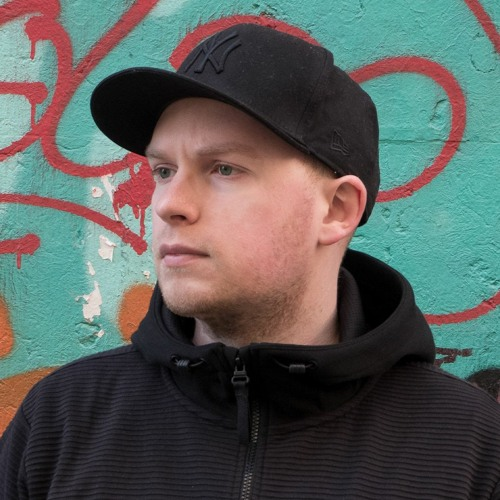Lewis Wake's avatar