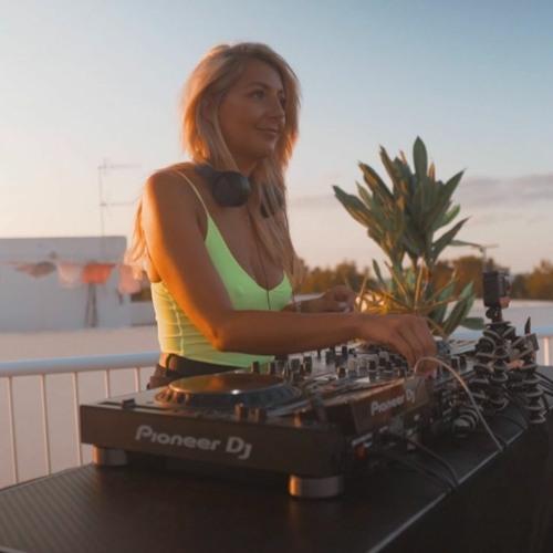 Lucy Jane DJ's avatar