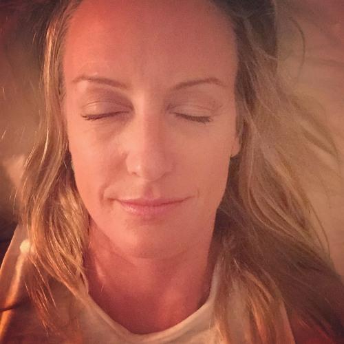 Elizabeth  Winkler's avatar