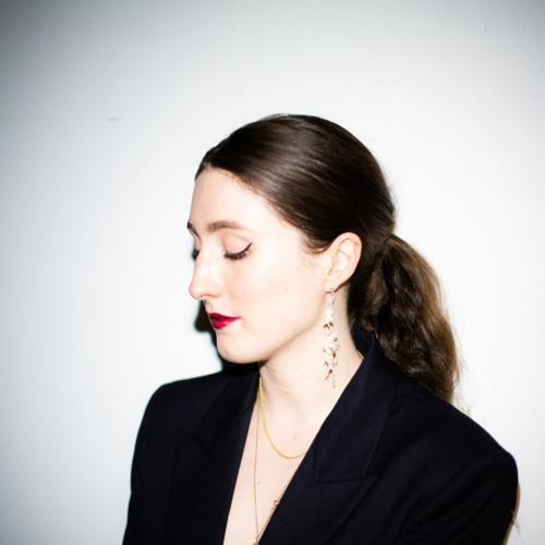 Meg Ella's avatar