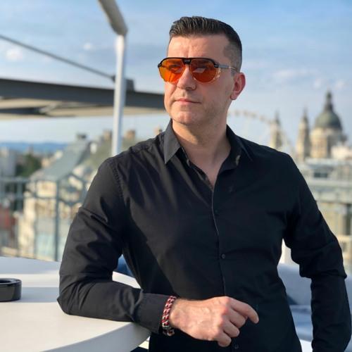 Maxim Kuznyecov's avatar
