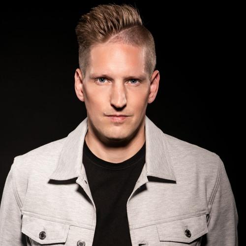 Nils van Zandt's avatar