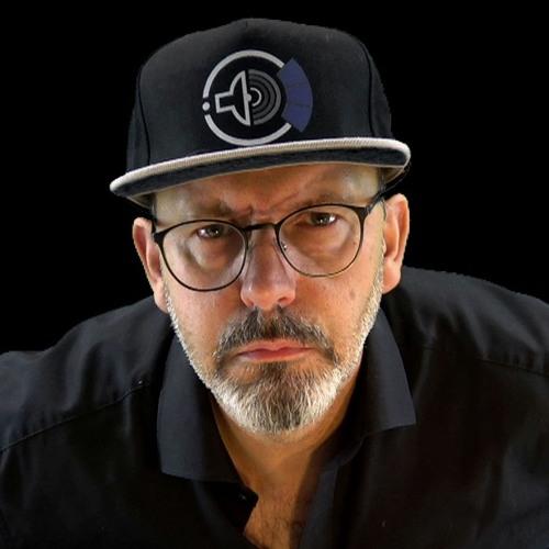 ✔ IRVIN CEE (DJ)'s avatar