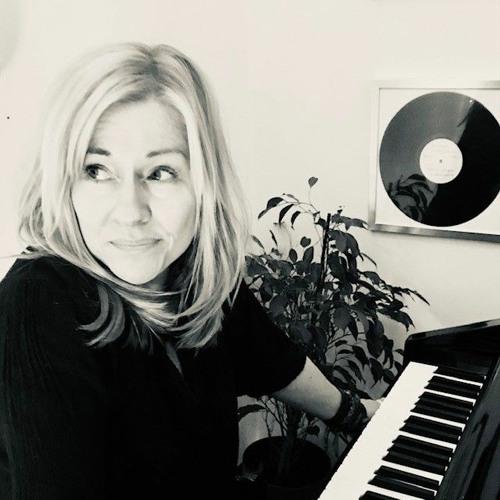 Léanie Kaleido's avatar