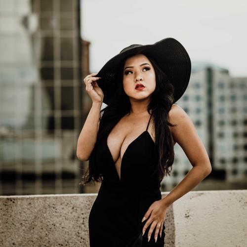 Sarah Yong's avatar