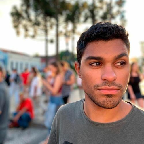 Lucas Oliveira's avatar