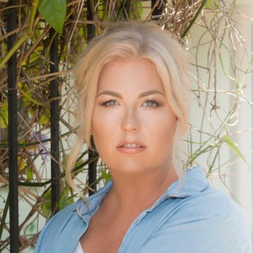 Courtney Marie Warner's avatar
