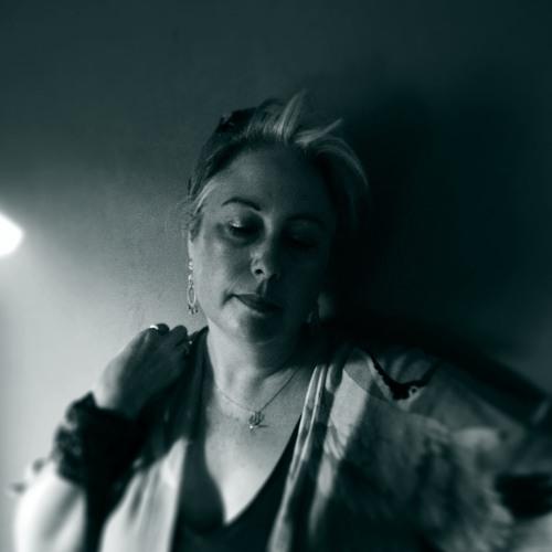 Chloë March's avatar