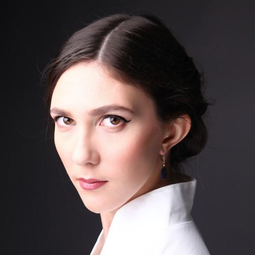 Lara Poe's avatar