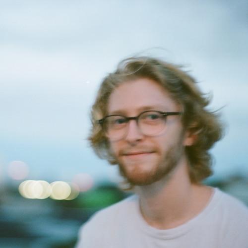 Sam Kingston's avatar