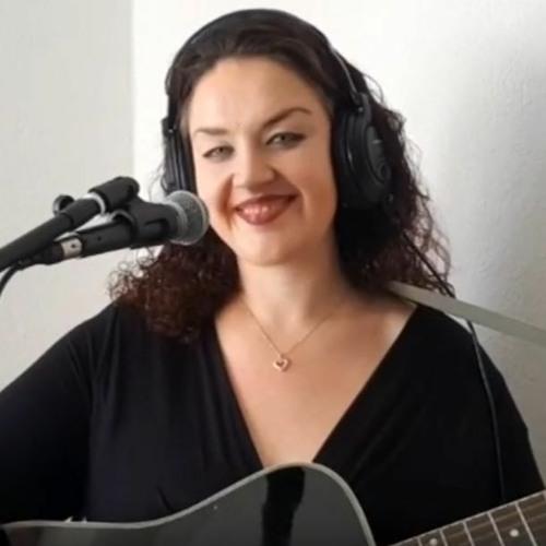 Helen Leahey's avatar