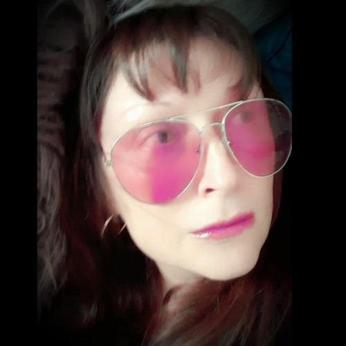 Vinna Bee's avatar