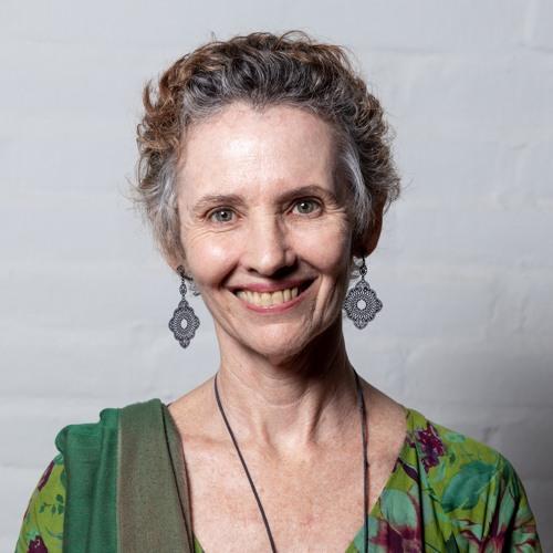 Cecília Valentim's avatar
