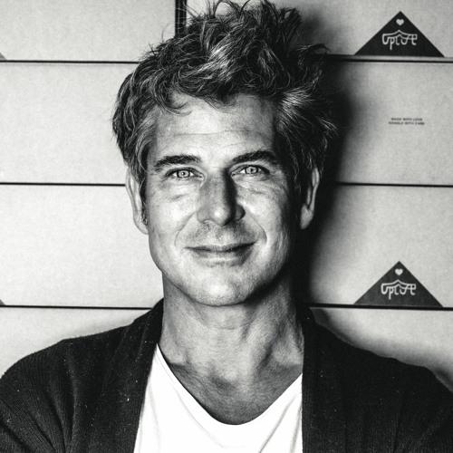 Tom Lawton's avatar