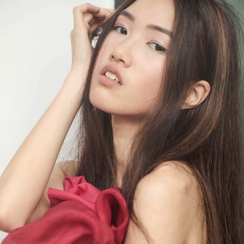 Lois Lau's avatar