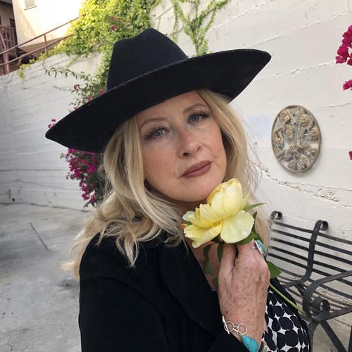 Helen Henderson's avatar
